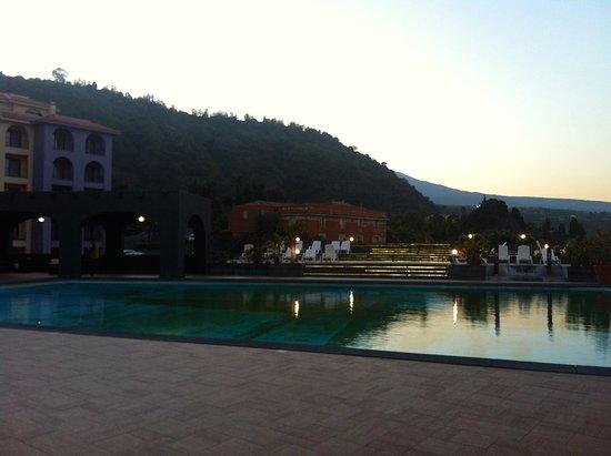 Hotel Santa Tecla Palace: zana piscina al atardecere