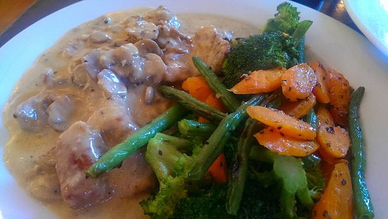 L'Olivo: Clumsy Salty Veal Scallopini
