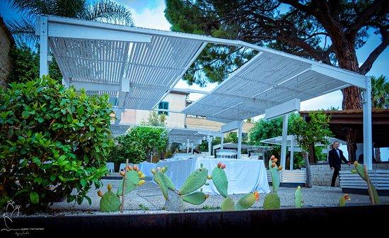 Scordia, إيطاليا: Le sale in giardino 