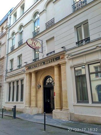 Victoria Hotel Photo