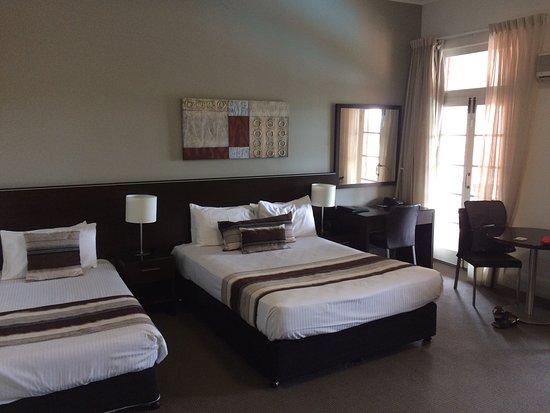 Monte Pio Hotel and Conference Centre: photo1.jpg