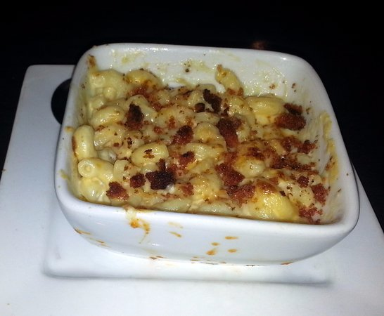 Norridge, IL: mac & cheese from the buzz clucks & mac