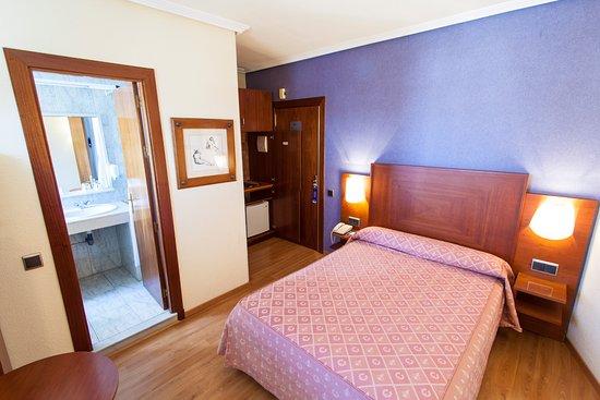 Apartamentos torreluz apartment reviews price comparison almeria spain tripadvisor - Apartamentos almeria ...