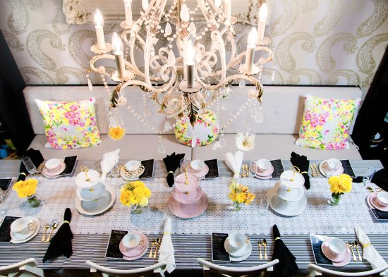 Aimee Provence High Tea table setting & Aimee Provence High Tea table setting - Picture of Aimee Provence ...
