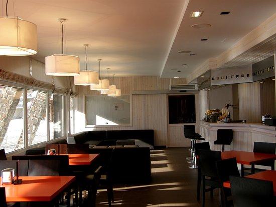 Astún, España: Cafetería Midí
