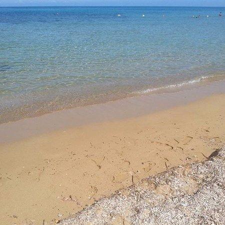 Valderice, Italy: acqua cristallina