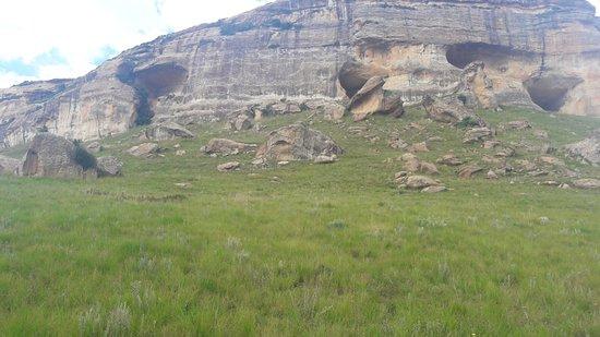 Estado Livre, África do Sul: Huge caves on the Holkrans route