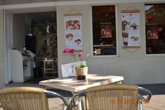 8140f7a19845 Nuevo look!!Baño señoras Cafe Mies: fotografía de Café Mies, Madrid ...