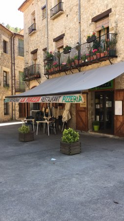 Sant Llorenc de la Muga, Spain: Lovely Pizzeria