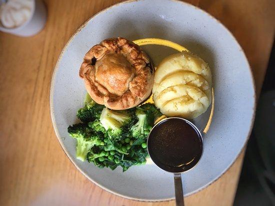 Whittington, UK: Pie