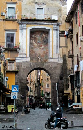 Porta San Gennaro (Napoli): AGGIORNATO 2018 - tutto quello che c\'è ...