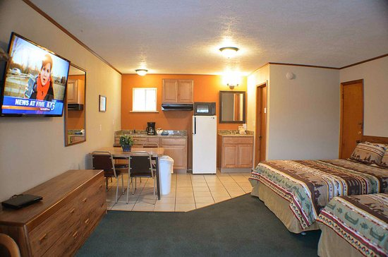 Hunter's Friend Resort & Condos: We have renovated all of the rooms here at the resort