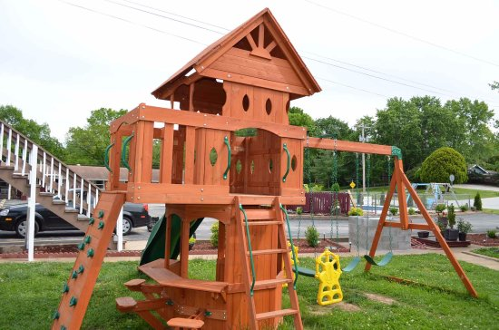 Hunter's Friend Resort & Condos: Playground for the little ones
