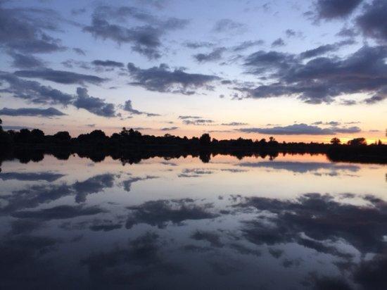 Hinchingbrooke Country Park: Sunset over main lake