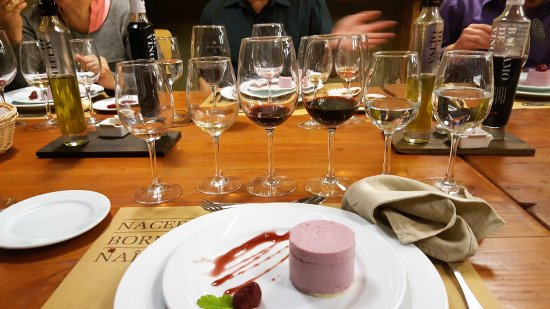 Uncorked Wine Tours: Lunch at the Third Winery