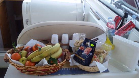 Capri Marine Limousine: Food and beverages on board