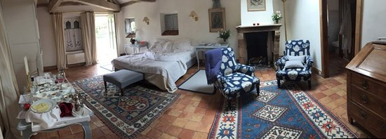 Les Pres d'Eugenie: Superior Upper Floor Room in Convent of Herbs. This building is in the gardens and is peaceful