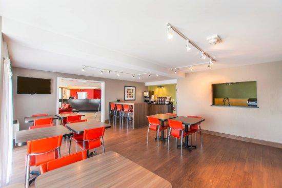 Comfort Inn - Yarmouth: breakfast room