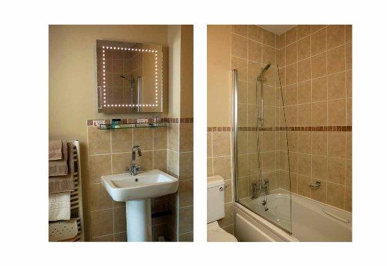 Dawyk Beech: Twin/double bathroom