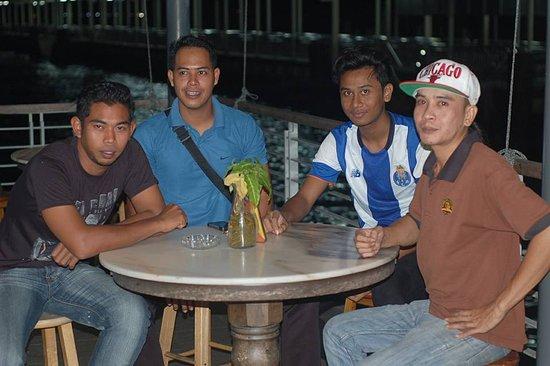 Νήσος Πανγκόρ, Μαλαισία: at Kopitiam