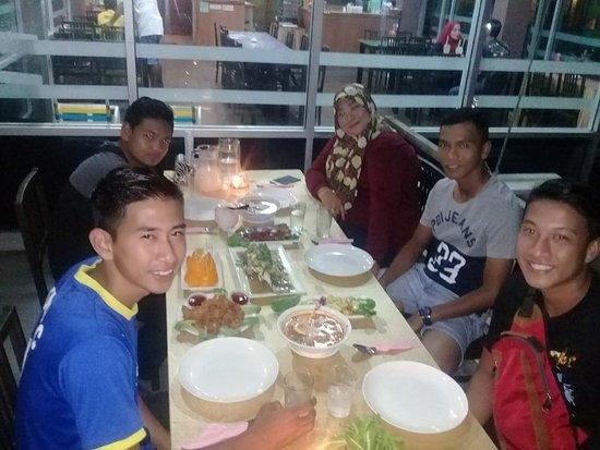 Νήσος Πανγκόρ, Μαλαισία: Our customers