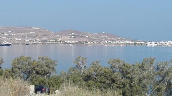Pounta, اليونان: View from superior apartment at Remvi studios, Pounta Paros.