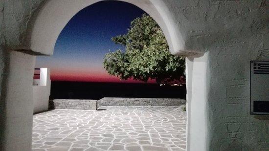 Pounta, Grecia: True sunset colours from Ag. Anna in Parikia