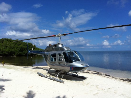Long Caye, Belice: Arrive by Helicopter