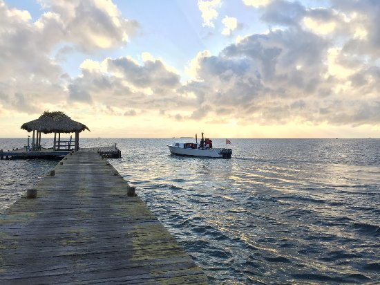 Long Caye, Belice: Off to the Blue Hole
