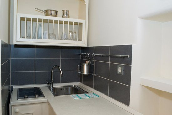 Roko House: Kitchen