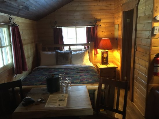 Storm Mountain Lodge & Cabins Picture