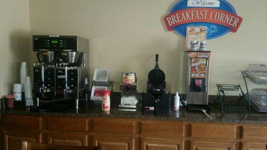 Storm Lake, IA : Breakfast area