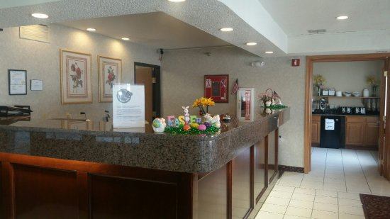 Storm Lake, IA: Front Desk Lobby