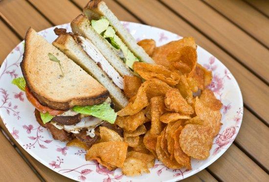 Oxon Hill, MD: M's Club Sandwich