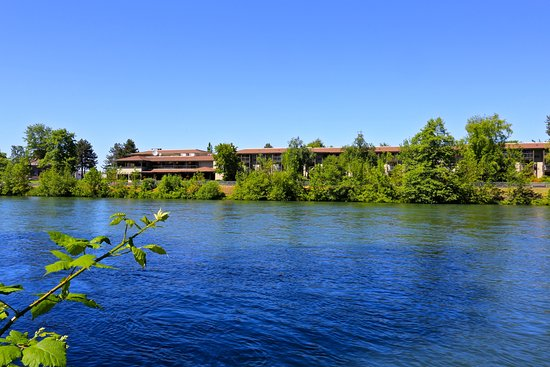 The Valley River Inn: Valley River Inn - Life is better on the River
