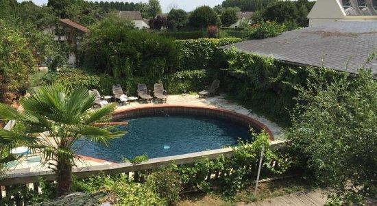 Bourgueil, France: Piscine