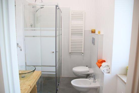 bagno privato camera Ponte - Picture of B&B La Nassa ...