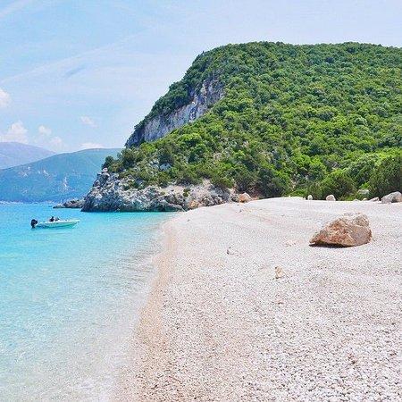Zola, Yunani: FTERI