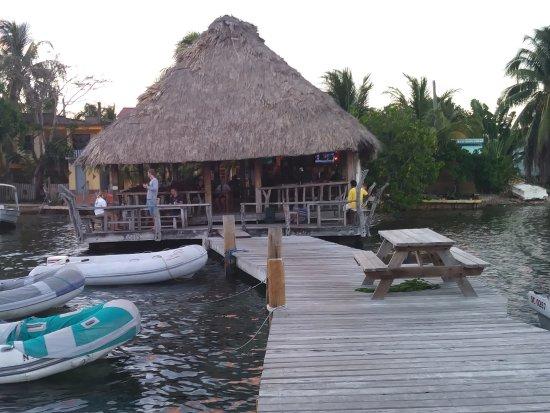 Yoli's Bar & Grill: Yoli's Over Da Water Bar