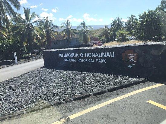 Honaunau, HI: entrance