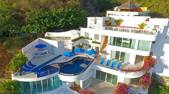 Mexico mansion updated 2018 villa reviews acapulco for Casa mansion