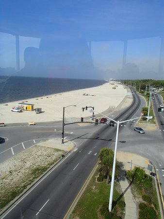 Biloxi Lighthouse: Beach view from the top