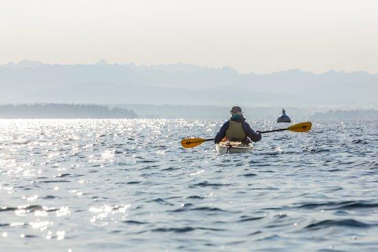Langley, WA: solo paddler