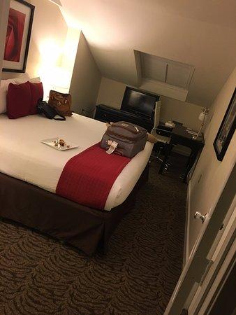 Artmore Hotel Photo