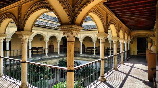 Real Academia de Bellas Artes de Santa Isabel de Hungria