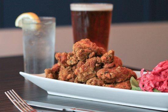 Park Rapids, มินนิโซตา: Jumbo Chicken Wings - dry rub, buffalo, whiskey BBQ, sweet chili or Thai peanut butter