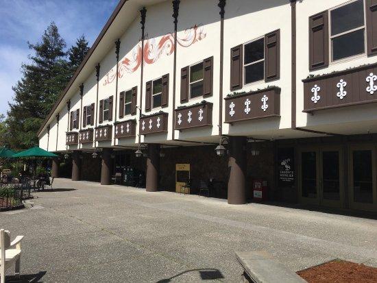 Redwood Empire Ice Arena: photo2.jpg