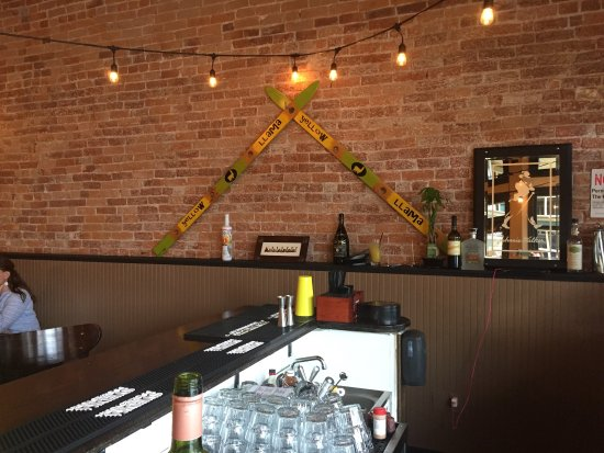 Forest Grove, Oregón: Fun ambiance good menu :)