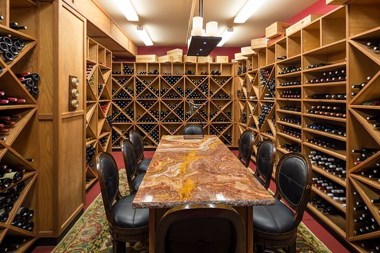 The Hotel Captain Cook: Wine Cellar