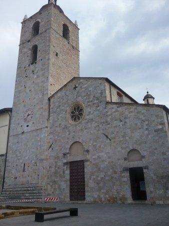 Camaiore, Italie : facciata